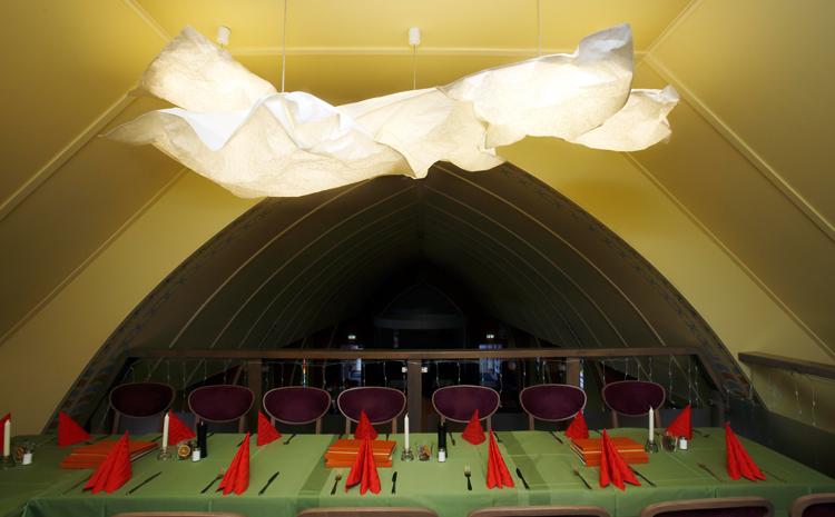Leuchten für die Holzkirche Chemnitz  Idee Design Licht