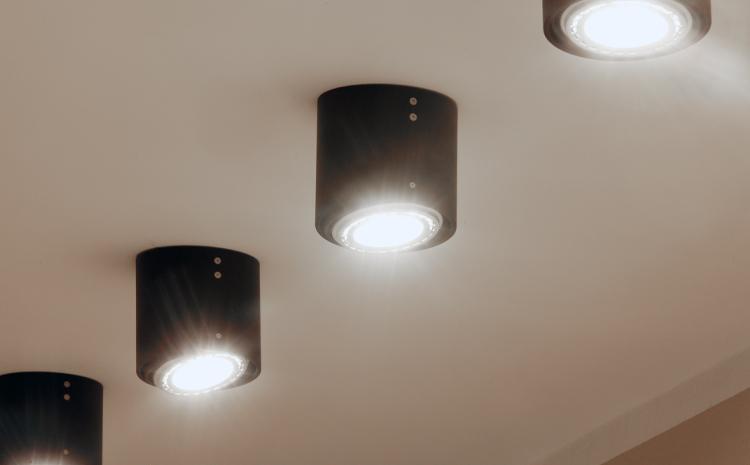 idee design licht gmbh id e inspirante pour la conception de la maison. Black Bedroom Furniture Sets. Home Design Ideas